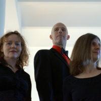 trio-rojal-2